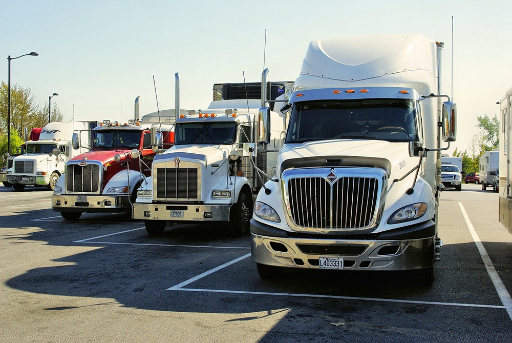 How to choose a trucking accident attorney in AL and MS